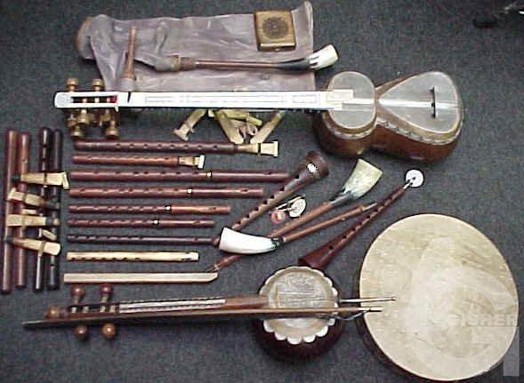 Поэтому многие армянские традиционные народные инструменты и распространялись по территории кавказа.