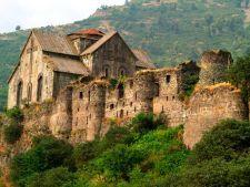 Ахтала - армянский монастырь и крепость
