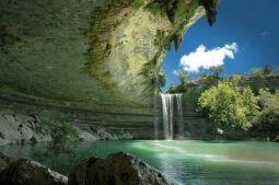 Подземное озеро Гамильтон Пул (Техас)