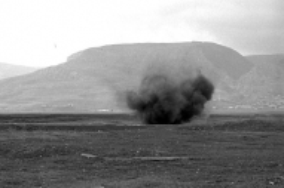 HALO Trust controlled detonation, Askeran, Nagorno Karabakh © Onnik Krikorian  ,  Oneworld Multimedia.