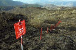 Minefield clearance, Meghvadzor, Armenian-controlled Azerbaijan © Onnik Krikorian , Oneworld Multimedia.